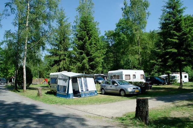 Campingplatz Eulenburg Touristenplätze nah am Eingang und Spielplatz