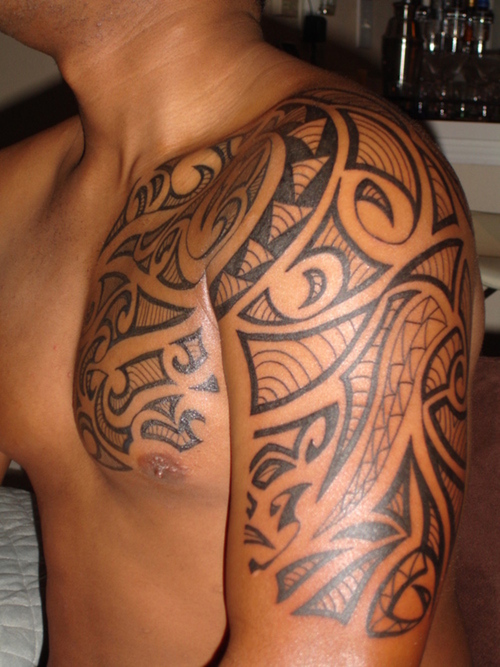 ladies with tattoos shoulder tribal tattoos