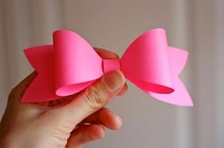 Como fazer laços de papel para embalagens de presentes