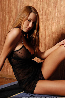 Casual Bottomless Girls - sexygirl-karina5_8-725540.jpg
