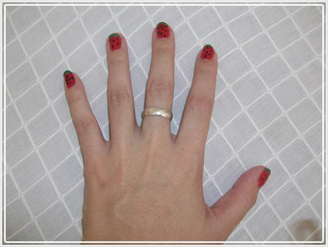 manicura en forma de sandia