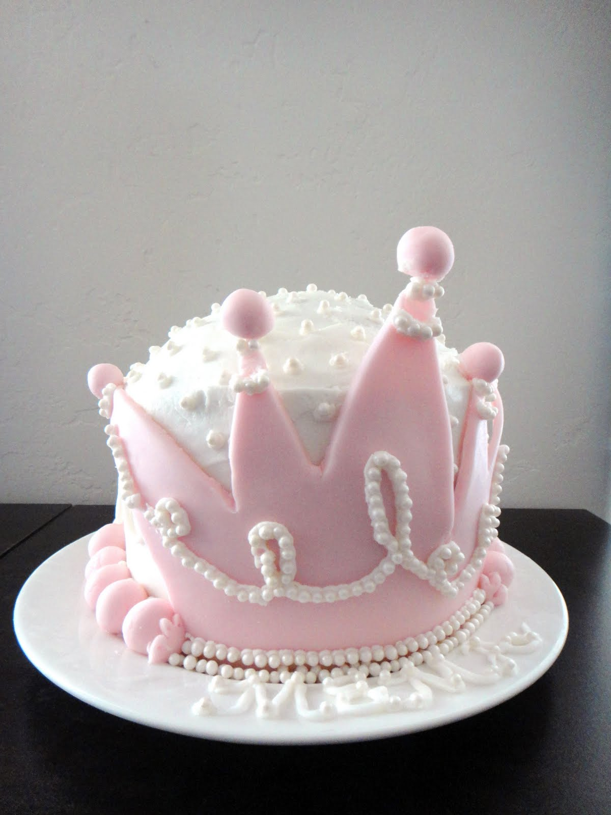 Worth Pinning: A Cake Fit for a Queen