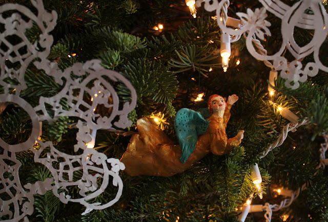 Christmas, holiday, tree, snowflakes, decorations, decor, noel, navidad, winter, lights, sparkle, ornament, angel, figures, small, paper, flying, Christ-child, birth, Christmastime, Weihnachten, interior, decor, art, handmade, joy, happiness, ornate, beautiful, handiwork, charm, photography, Sarah Myers, glass, fir, live