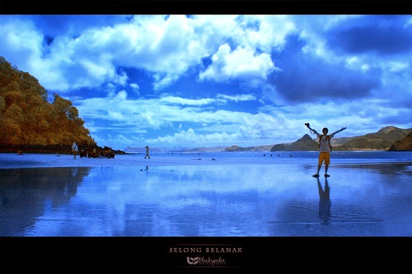 Panorama keindahan Pantai Selong Belanak