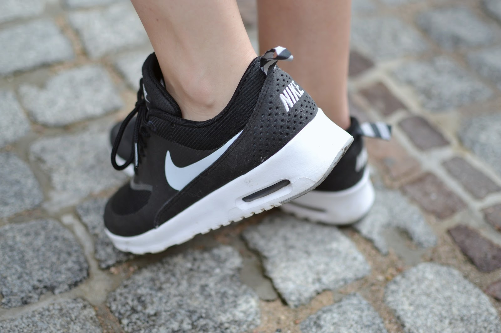 Nike Air Max Thea Black