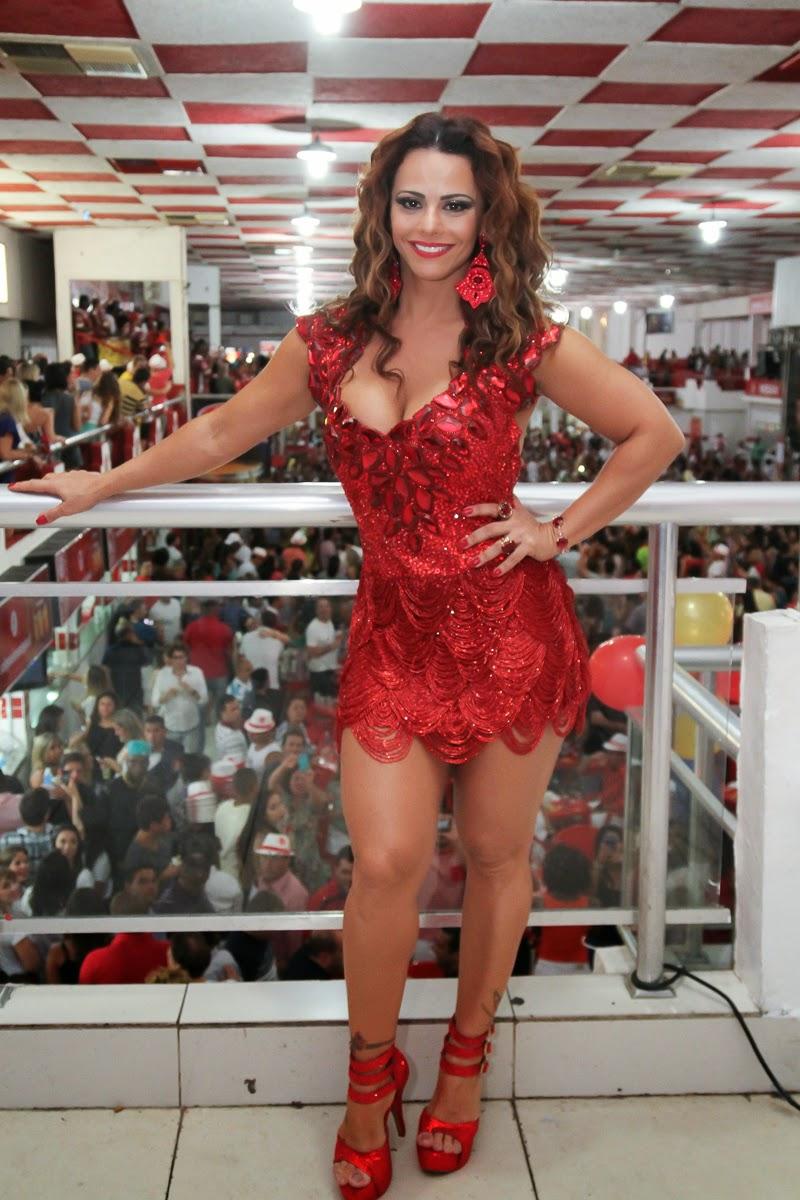 Viviane araujo unidos da tijuca carnaval 2001 - 2 4