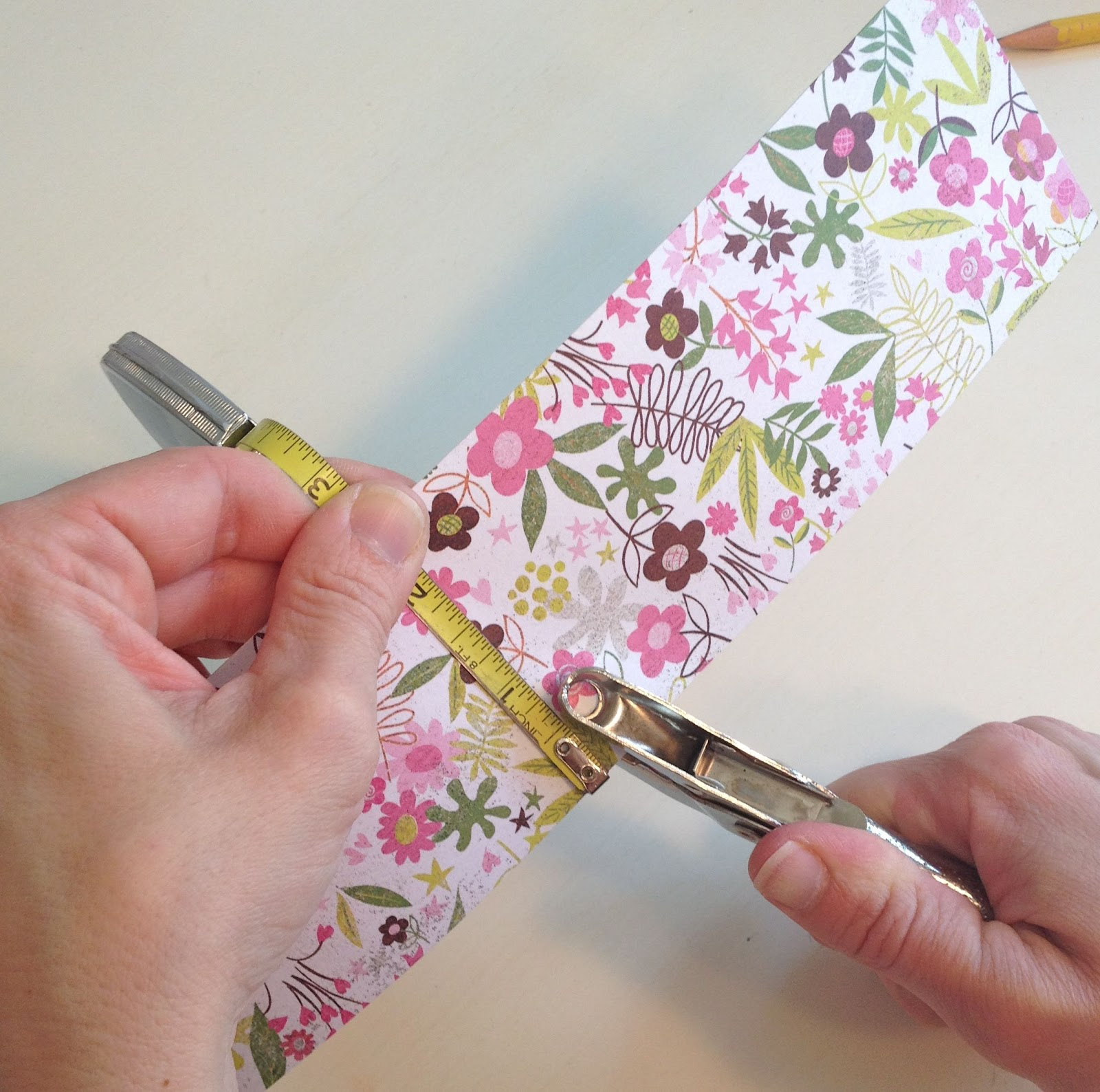 Scrapbook ideas easter - Setting The Table For Easter Diy Birdhouse Place Cards