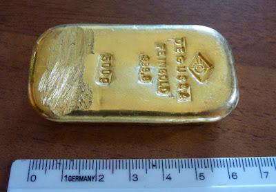 Emas batangan seberat 500 gram