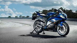 Yamaha YZF R6 Bike in Racetrack