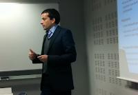 Albert Huerta presentant el projecte