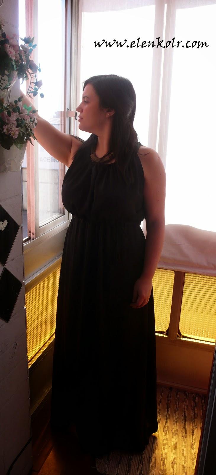 http://es.sheinside.com/Black-Spaghetti-Strap-Pleated-Full-Length-Dress-p-159641-cat-1727.html