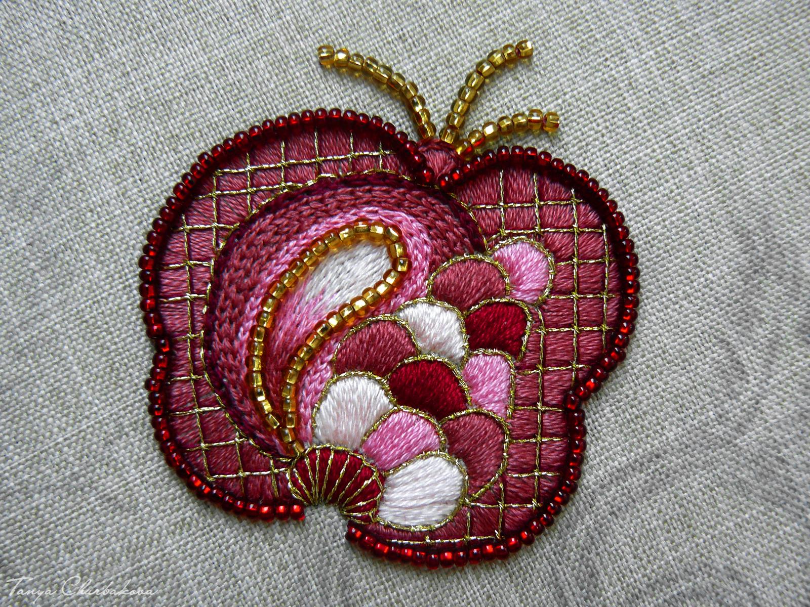 якобинская вышивка плод