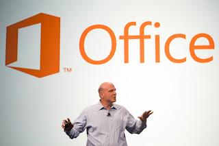 Steve Ballmer apresentando o novo Office 2013