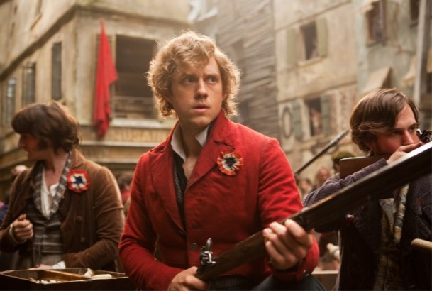 Marius fighting Les Misrables (2012) movieloversreviews.blogspot.com