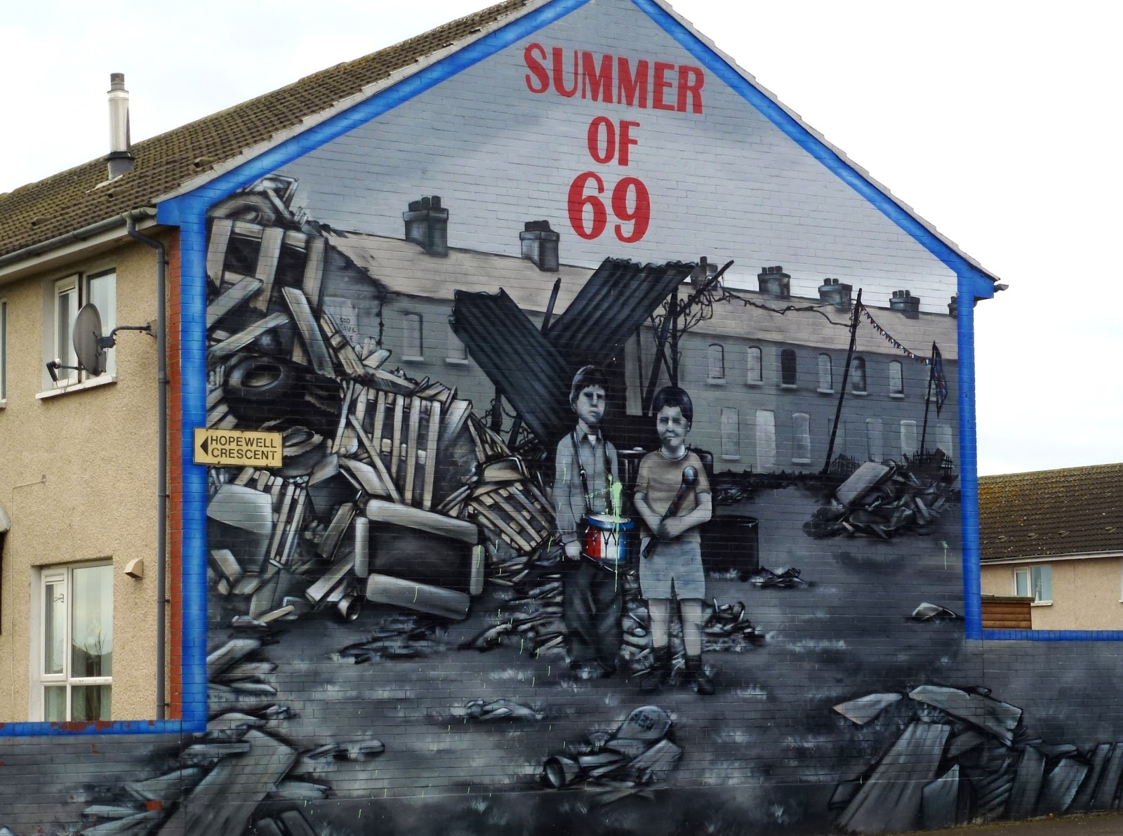 Paddy 39 s wagon brave beautiful belfast for Mural belfast