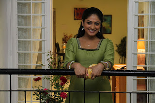 Haripriya Pictures from Vaarayo Vennilave Movie 008.jpg