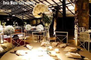porta guardanapo de lascas bambu, flores brancas, velas, casamento, jarras vidro tranparente