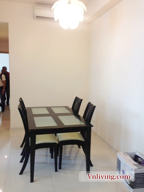 Dinner table at The Vista 2 bedroom apartment for rent