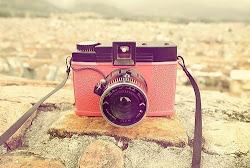 Fotoğraf makinem hep yanımda. Fotoğraf çekmeyi seviyorum...