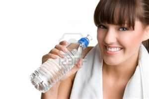 Minum air putih - www.jurukunci.net