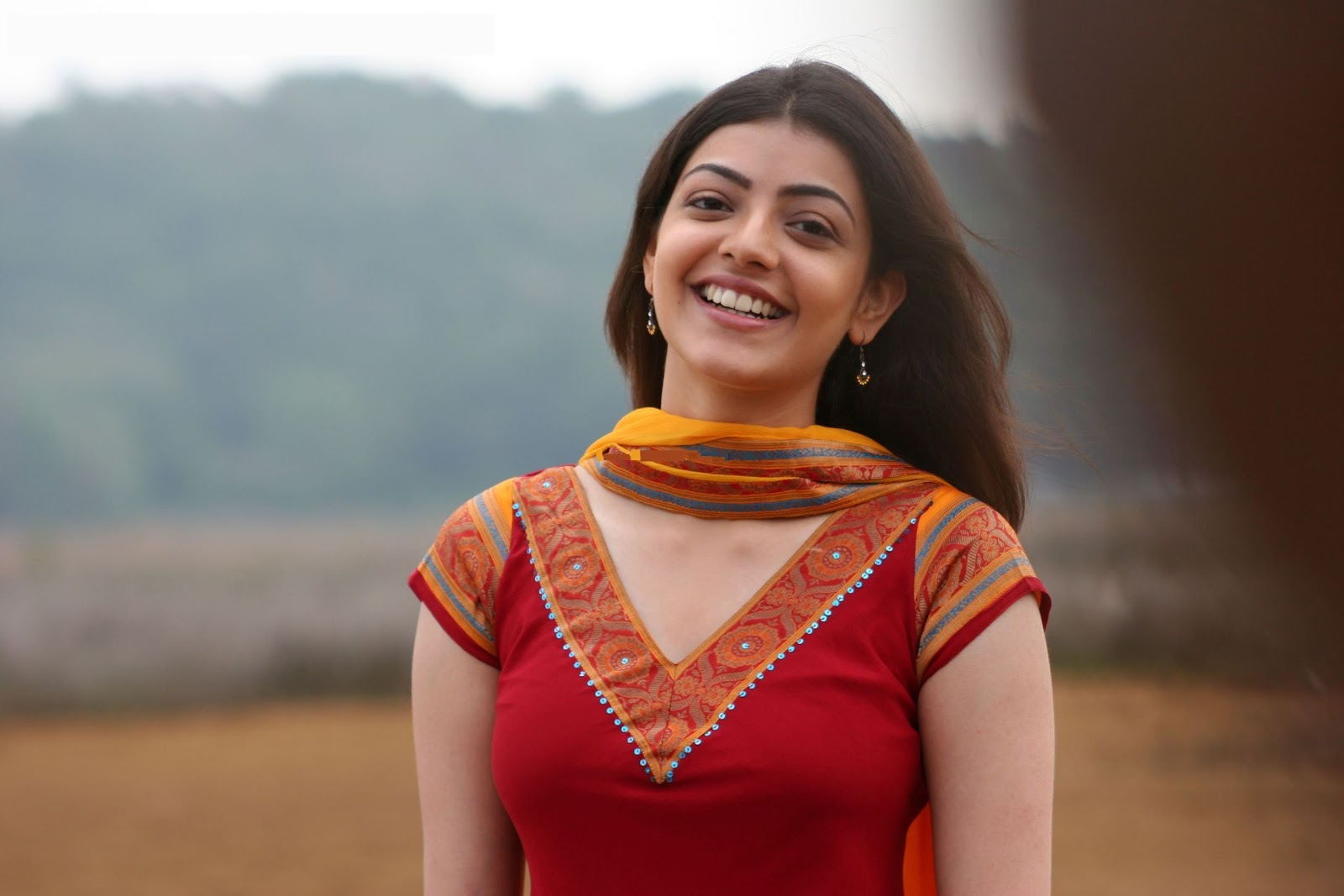 Wallpaper download kajal agarwal -  Kajal Agarwal Desktop Wallpapers