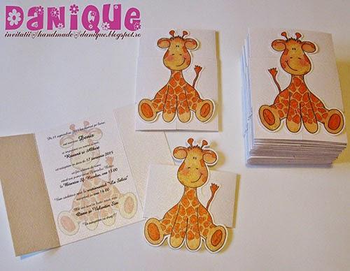 invitatii de botez cu manson si girafa aplicata pe manson