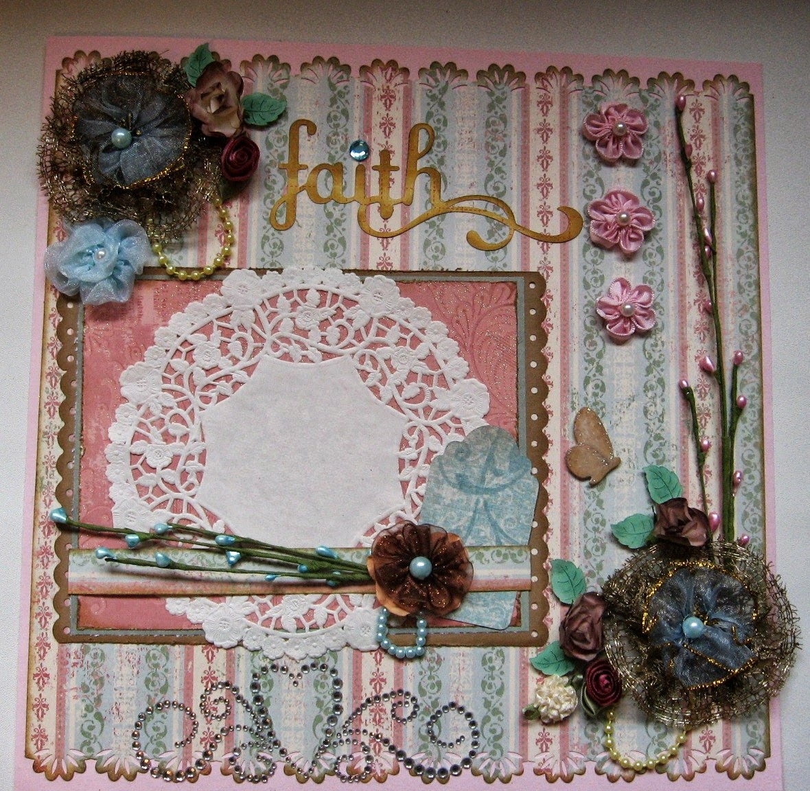 ScrappinRabbit: Shabby Chic Scrapbook Page Layouts