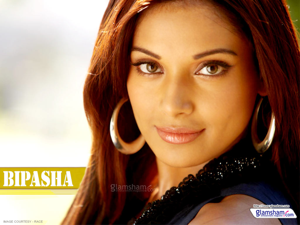 Royal Wallpapers: Bipasha basu