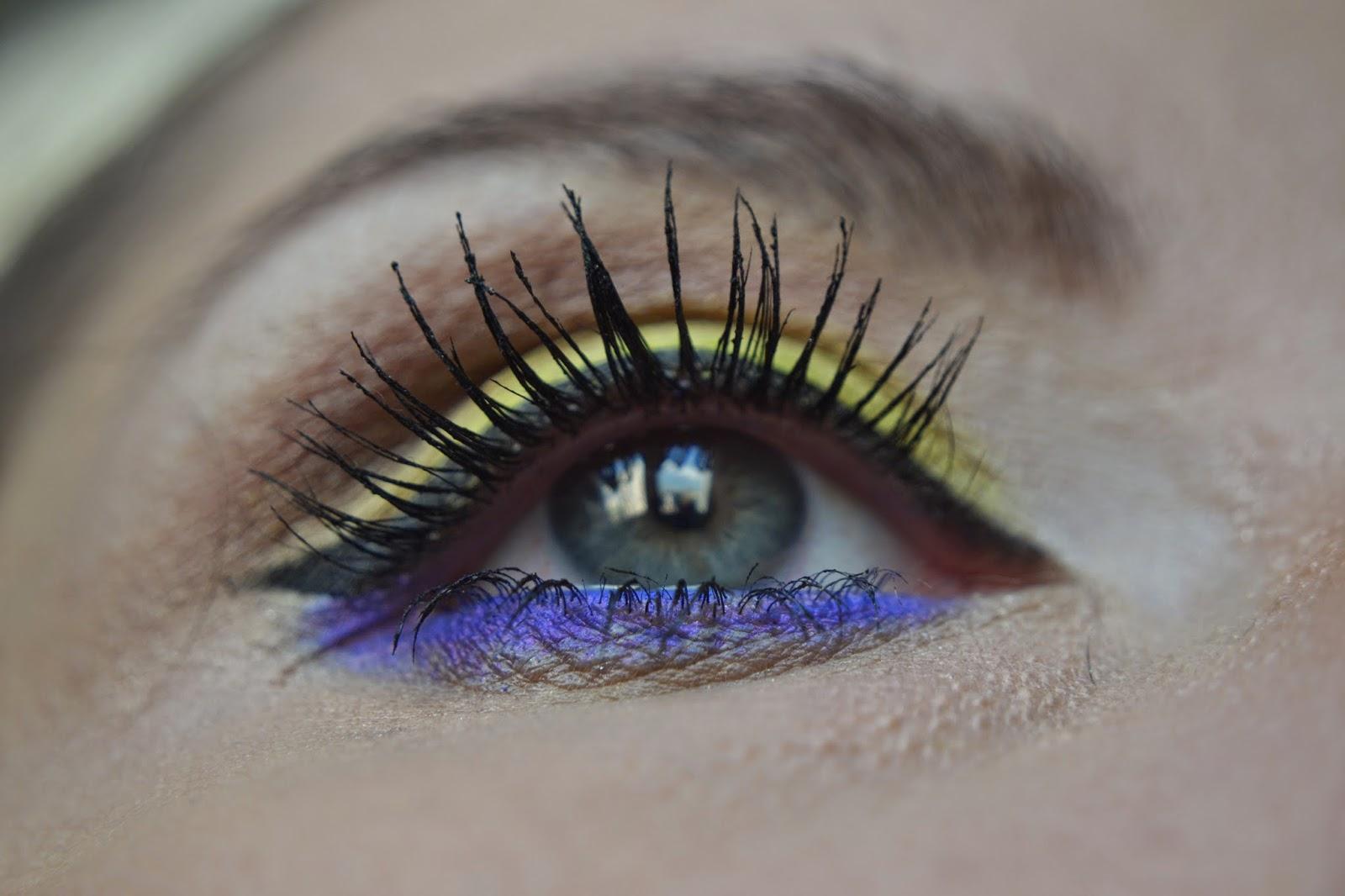 neon makyaj - neon makeup - sephora - makyaj blogları - kozmetik blogları - makyaj uygulaması - loreal - güzellik blogları- eyeliner çekmek
