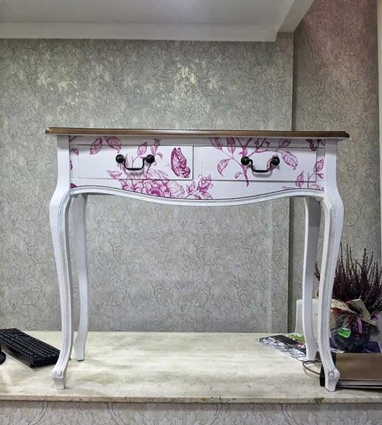 Forrar muebles con papel dise os arquitect nicos for Forrar muebles con papel adhesivo