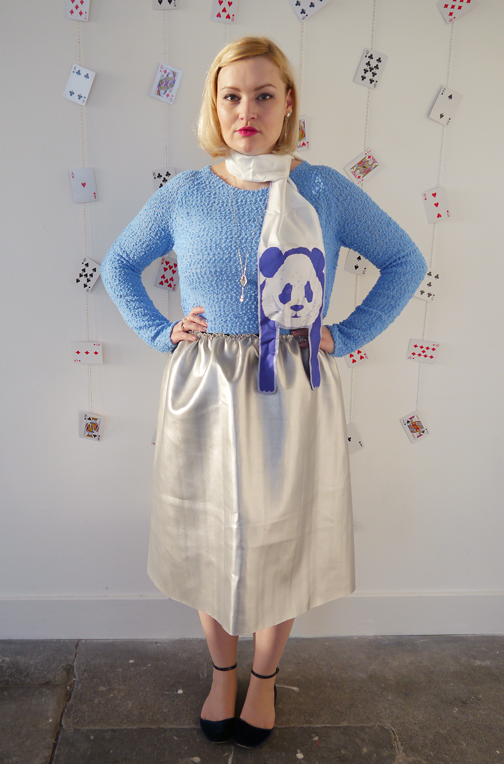Alice in wonderland, hair bow, scarf inspiration, scarf bow, Karen Smith jewellery, Cleo Fern Mercury scarf, panda scarf, blue and silver outfit, scottish blogger