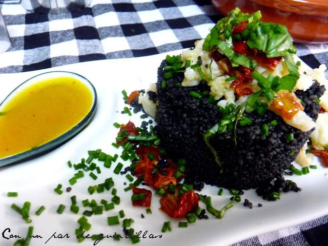 Cous-cous negro con bacalao desmigado