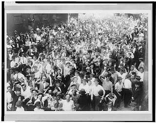 Manifestantes en Bayonne, New Jersey 1915.