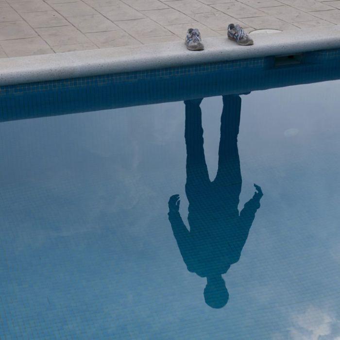 Ficha de Xudeth Hombre-invisible-sombra