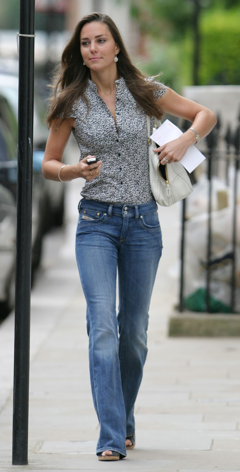 Mannequin Kate Middleton Rocks Diesel Jeans