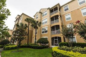 Apartamento com 2 quartos no condomínio Windsor Hills (clique na foto)