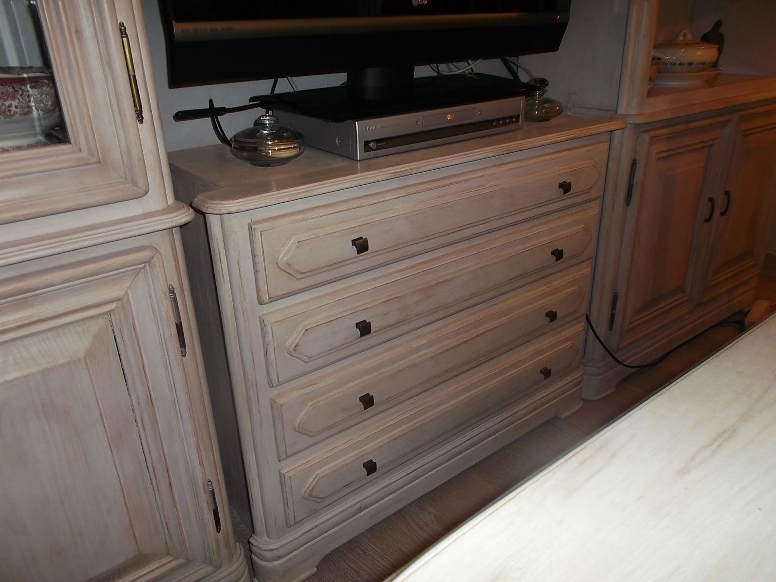 Artesare comedor restaurado for Muebles antiguos restaurados antes y despues