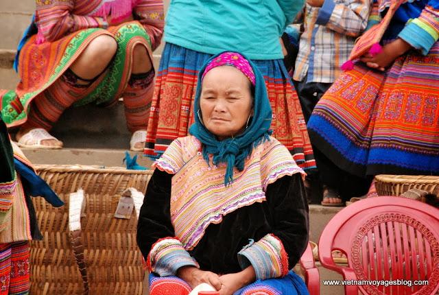 Rejoindre au marché hebdomadaire animé à Bac Ha - Photo An Bui