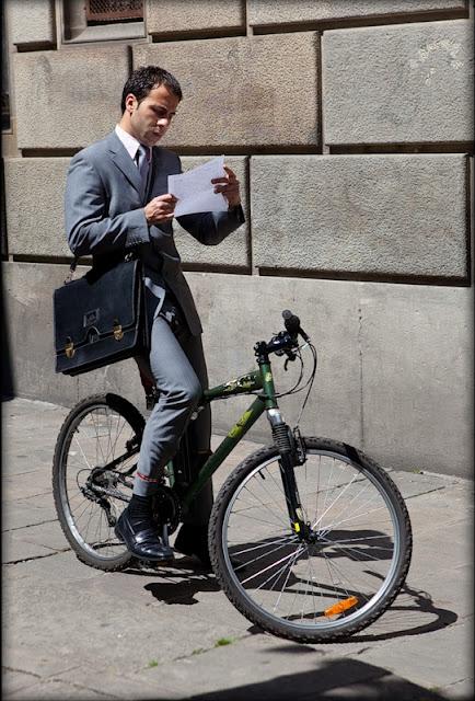 велосипедист в Барселоне