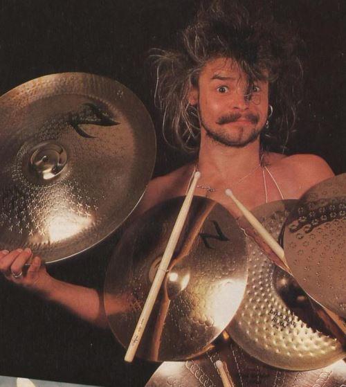 "MOTÖRHEAD: Απεβίωσε ο πρώην drummer της μπάντας Phil ""Philthy Animal"" Taylor"