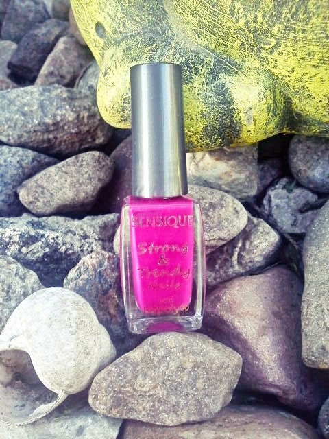 Sensique strong & trendy nails with tefpoly  nr 148