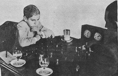 Partida de ajedrez Arturito Pomar contra José Sanz en el Campeonato de España de Ajedrez de 1944