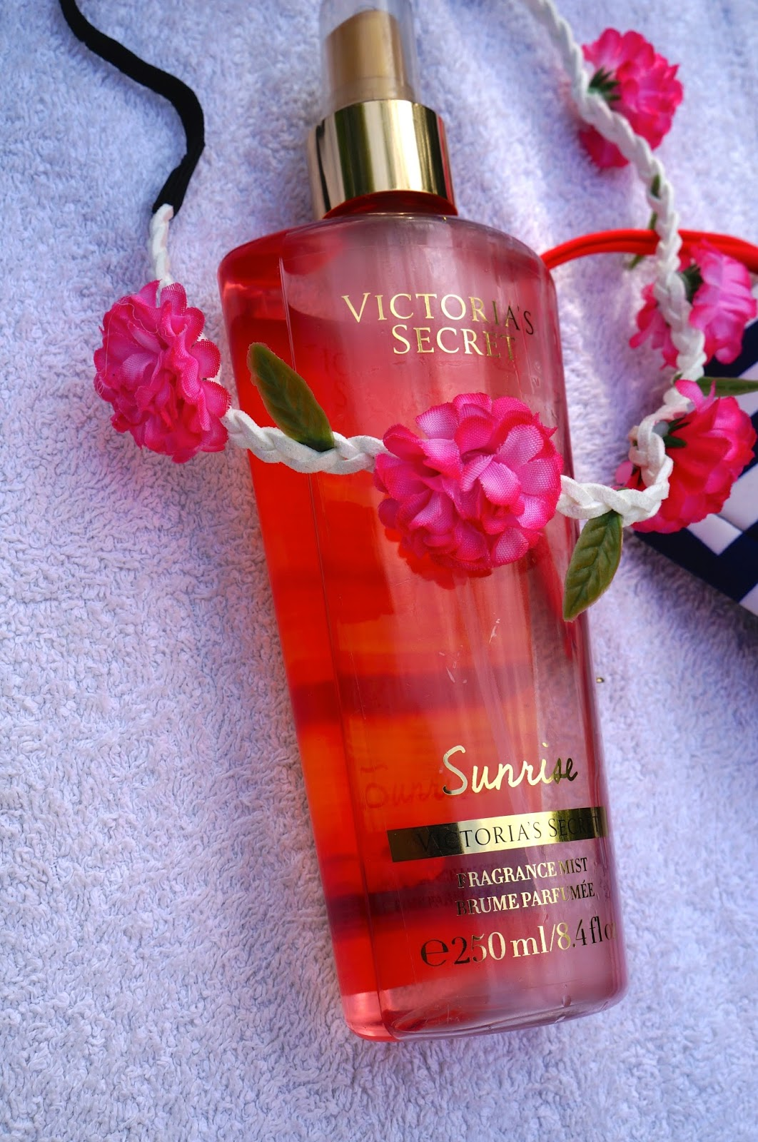 victoria's secret fragrance mist, fashion dough, fashion blog, summer essentials, what's in my beach bag, boohoo,