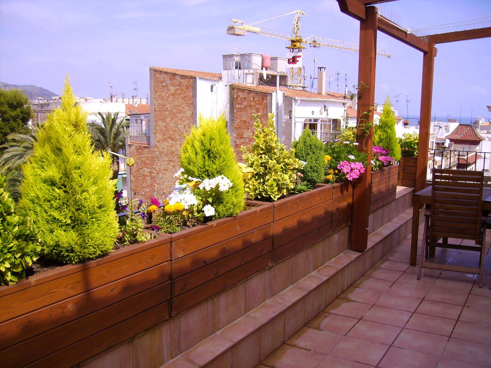 La terraza de un atico - Jardines en la terraza ...