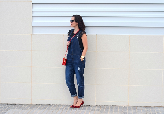 overall_and_red_2