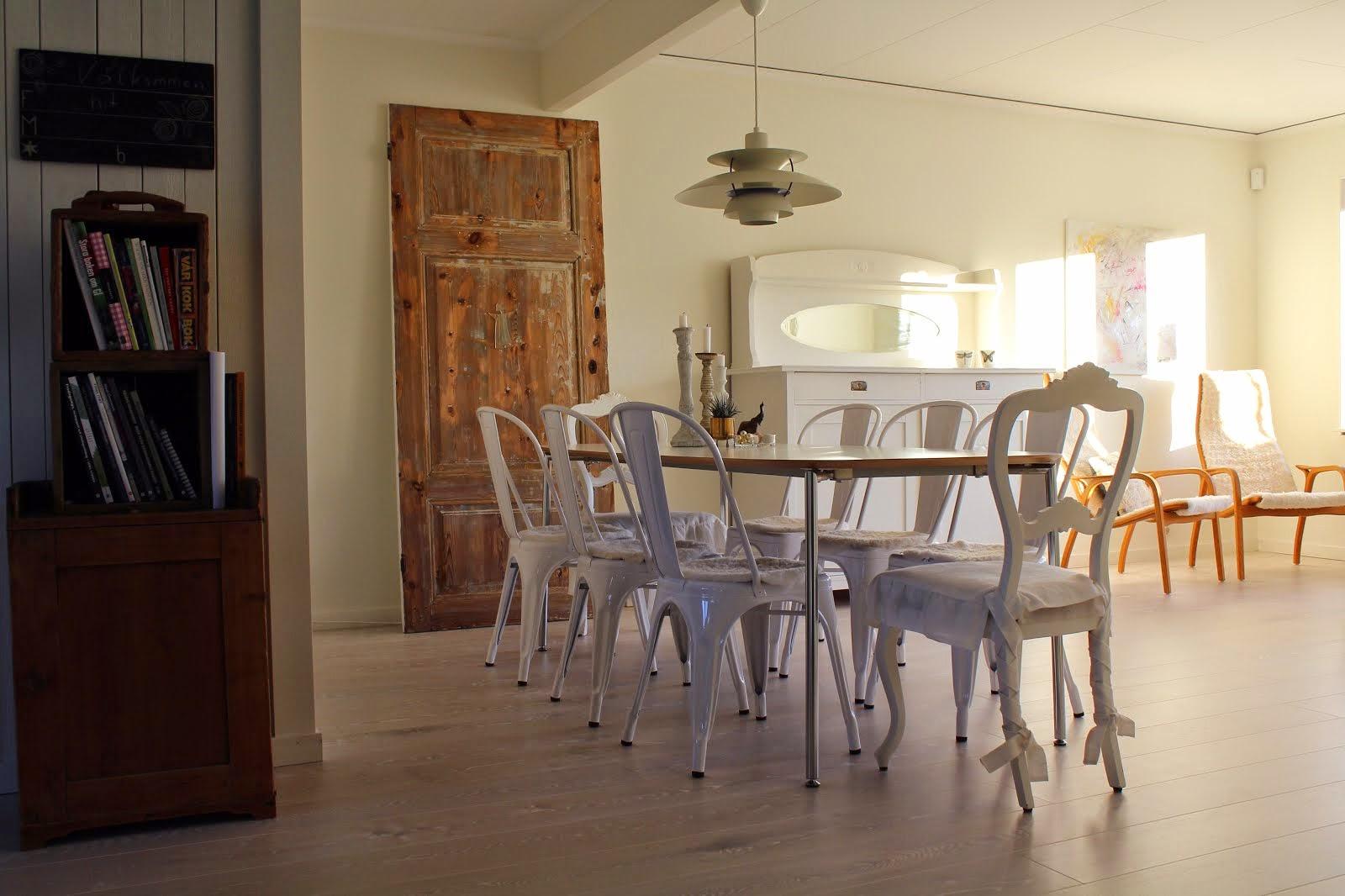 I kök och vardagsrum