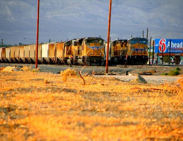 Gambar Kereta Api Lokomotif Diesel 18