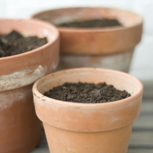 how to use less potting soil