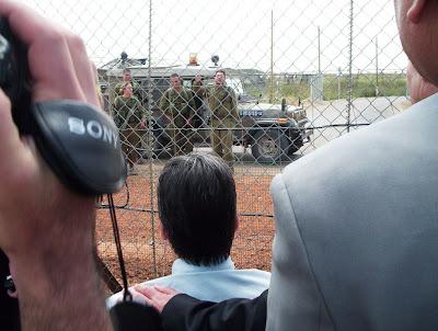 Soldados israelenses intimidam deputados brasileiros