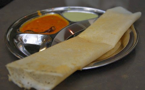Plain Rice Dosa with Garlic and Coconut Chutney